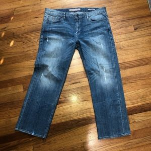 """Guess """"Relaxed"""" distressed jeans"""